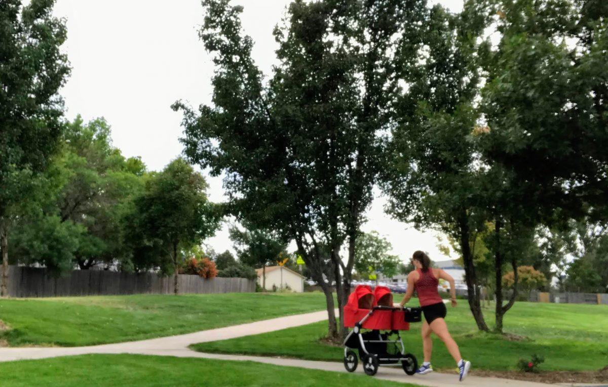 bieganie z dzieckiem w wozku blizniaki